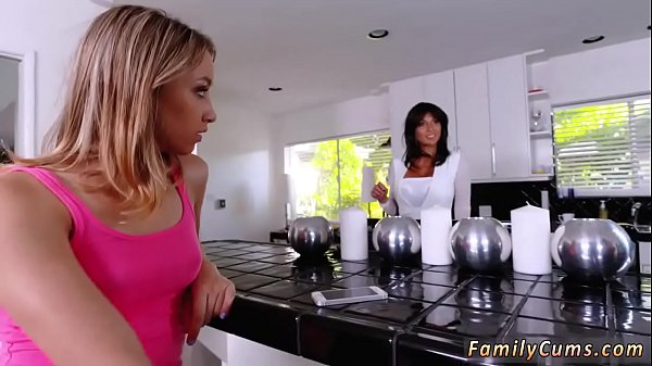 Mom daughter, Mother daughter, Mom and daughter, Grinding, Mother and daughter, First time amateur