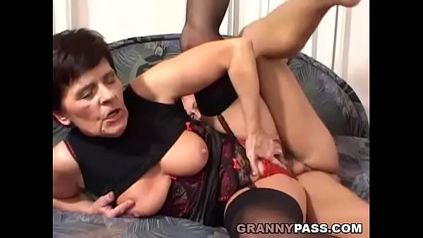 Busty mom, Hairy pussy, Hairy mom, Mom pussy, Young moms, Young hairy