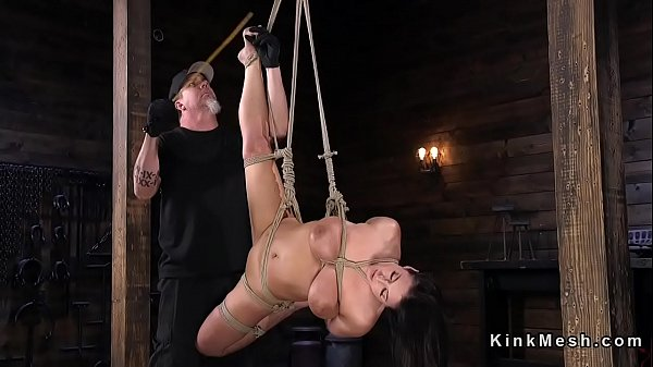Caning, Monster tit