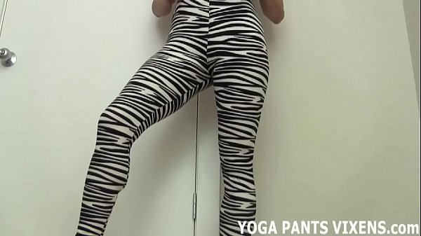 Pants, Yoga pants, Rubbing